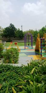 Gallery Cover Image of 970 Sq.ft 2 BHK Apartment for rent in Savvy Strata, Sarkhej- Okaf for 14000