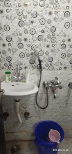 Bathroom Image of Khwahishpg in Uttam Nagar