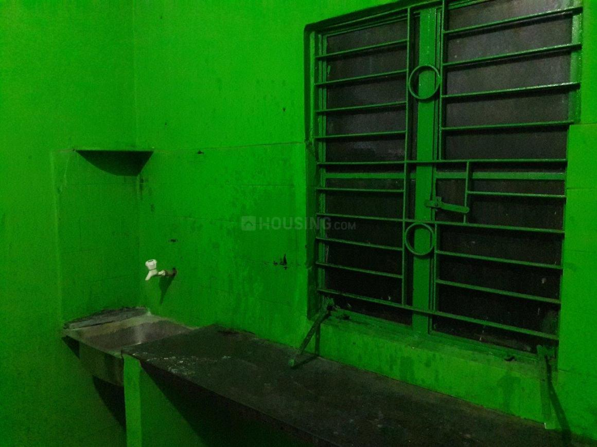 Kitchen Image of 1000 Sq.ft 2 BHK Independent House for rent in Paschim Putiary for 7000