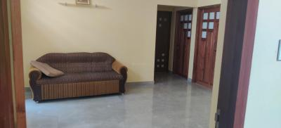 Gallery Cover Image of 1200 Sq.ft 2 BHK Villa for rent in Kuthiravattom for 20000