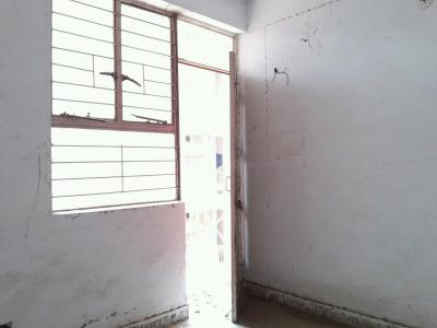 Gallery Cover Image of 450 Sq.ft 2 RK Apartment for rent in Bakkarwala for 3000