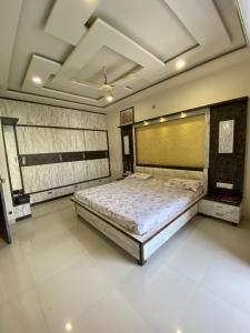 Gallery Cover Image of 1600 Sq.ft 3 BHK Independent House for rent in Rosedale Enclave, Gokul Nagar for 32000