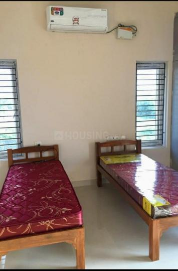 Bedroom Image of Sri Vainkateshwara Sai Mens Hostel in Karappakam