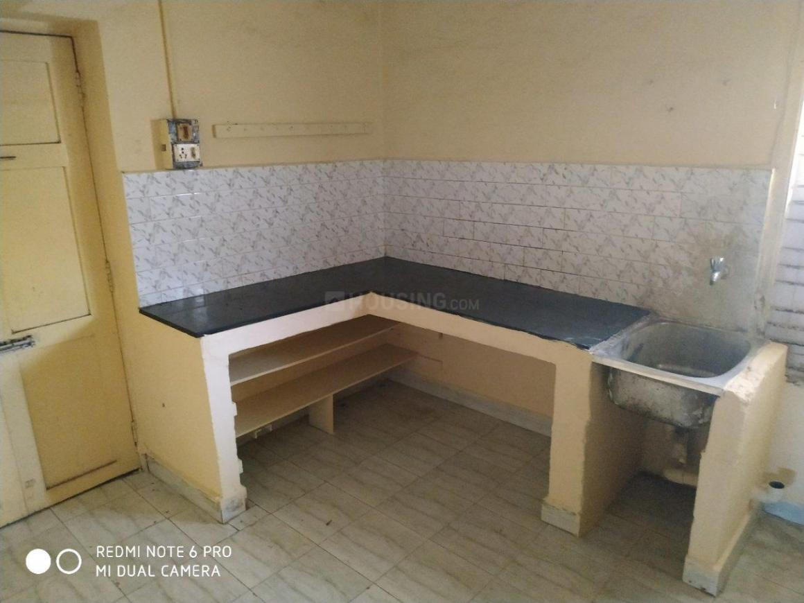 Kitchen Image of 1000 Sq.ft 3 BHK Independent Floor for rent in Adambakkam for 20000