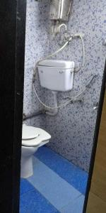 Bathroom Image of Ramesh PG in Mulund West