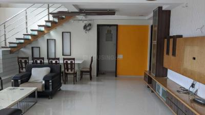 Gallery Cover Image of 5000 Sq.ft 4 BHK Independent Floor for buy in Vice Roy Park Tower, Kandivali East for 50000000