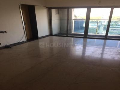 Gallery Cover Image of 1800 Sq.ft 3 BHK Apartment for buy in RNA Azzure, Bandra East for 38000000
