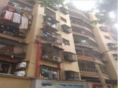 Gallery Cover Image of 620 Sq.ft 1 BHK Apartment for rent in Highway Park, Kandivali East for 18000