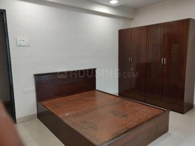Gallery Cover Image of 1300 Sq.ft 3 BHK Apartment for rent in Shiv Prisha Apartments, Juhu for 80000
