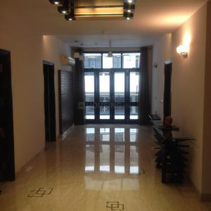 Gallery Cover Image of 1300 Sq.ft 3 BHK Apartment for rent in Vasant Kunj for 35000