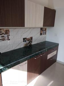 Gallery Cover Image of 710 Sq.ft 1 BHK Apartment for buy in Man Opus, Mira Road East for 6100000