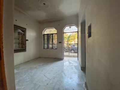 Gallery Cover Image of 1200 Sq.ft 1 BHK Independent Floor for rent in DLF Shivaji Park, Punjabi Bagh for 18000