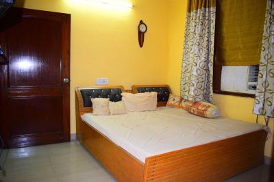 Gallery Cover Image of 600 Sq.ft 1 BHK Independent Floor for rent in Kirti Nagar for 15000