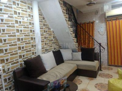 Gallery Cover Image of 350 Sq.ft 2 BHK Independent House for rent in Juhu for 25000