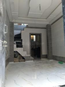 Gallery Cover Image of 600 Sq.ft 2 BHK Independent House for rent in Kandivali West for 12000