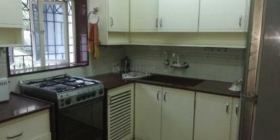 Gallery Cover Image of 950 Sq.ft 2 BHK Apartment for rent in Bandra East for 120000