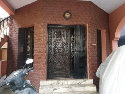 Gallery Cover Image of 900 Sq.ft 2 BHK Independent Floor for rent in Virugambakkam for 20000
