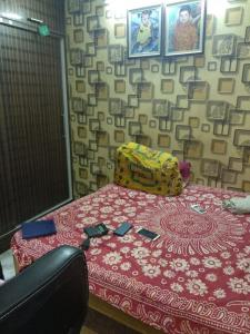 Gallery Cover Image of 950 Sq.ft 2 BHK Independent Floor for buy in Hastsal for 4500000