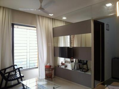 Gallery Cover Image of 520 Sq.ft 1 BHK Apartment for rent in Hiranandani Estate for 17500