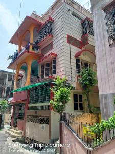 Gallery Cover Image of 1400 Sq.ft 3 BHK Independent Floor for rent in Haltu for 21000