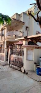 Gallery Cover Image of 2500 Sq.ft 3 BHK Villa for rent in Gurukul for 34000