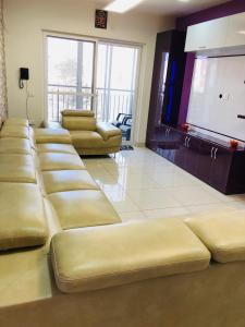 Gallery Cover Image of 1000 Sq.ft 2 BHK Apartment for rent in Akshayanagar for 16000