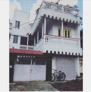 Gallery Cover Image of 2200 Sq.ft 4 BHK Villa for buy in Sardar Patel Nagar for 20000000
