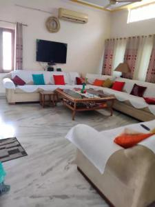 Gallery Cover Image of 3600 Sq.ft 5 BHK Independent House for buy in Rajender Nagar for 22500000