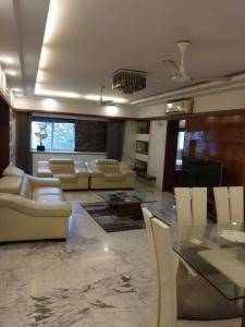 Gallery Cover Image of 2000 Sq.ft 3 BHK Apartment for buy in Bandra West for 82000000