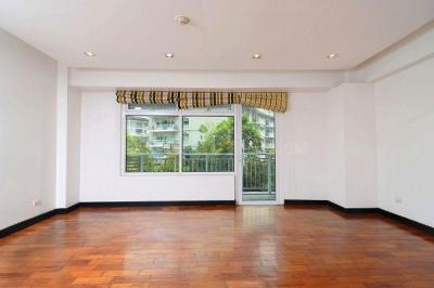 Gallery Cover Image of 1440 Sq.ft 3 BHK Independent Floor for buy in Sushant Lok I for 16000000