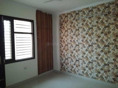 Gallery Cover Image of 2500 Sq.ft 4 BHK Apartment for rent in Sector 23 Dwarka for 30000