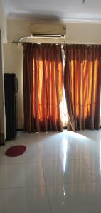 Gallery Cover Image of 344 Sq.ft 1 RK Apartment for rent in Royal Palms Piccadilly Condos, Goregaon East for 12000