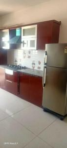 Gallery Cover Image of 1250 Sq.ft 3 BHK Apartment for rent in Eden Blossom Apartments, Lal Bahadur Shastri Nagar for 19000