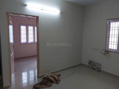 Gallery Cover Image of 820 Sq.ft 2 BHK Apartment for rent in Nanmangalam for 9500