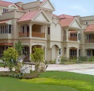 Gallery Cover Image of 3600 Sq.ft 5 BHK Independent House for buy in Navrangpura for 39900000