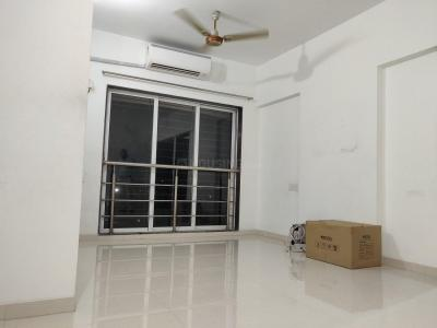 Gallery Cover Image of 700 Sq.ft 2 BHK Apartment for rent in Jogeshwari East for 35000
