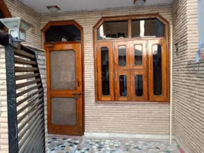 Gallery Cover Image of 650 Sq.ft 2 BHK Apartment for rent in Tri Nagar for 16000
