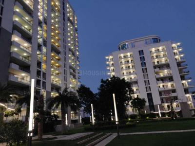 Gallery Cover Image of 2100 Sq.ft 3 BHK Apartment for buy in Sector 81 for 15000000