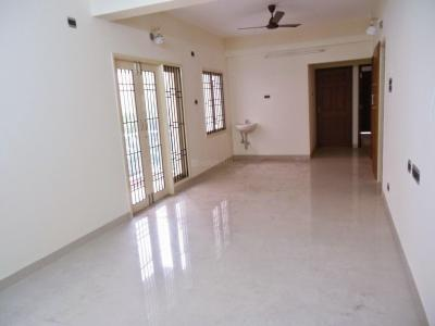 Gallery Cover Image of 1200 Sq.ft 3 BHK Apartment for rent in Nungambakkam for 31200