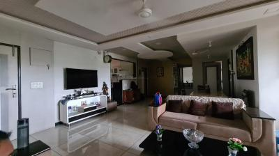 Gallery Cover Image of 2400 Sq.ft 3 BHK Apartment for buy in Hari Om Tower, Ellisbridge for 16000000