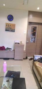 Gallery Cover Image of 640 Sq.ft 1 BHK Apartment for buy in Vile Parle East for 16000000