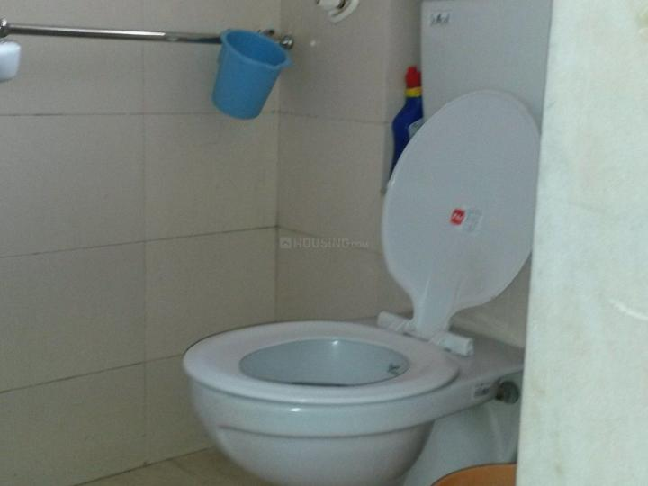 Bathroom Image of 350 Sq.ft 1 RK Apartment for rent in Colaba for 47000