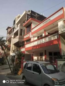 Gallery Cover Image of 4200 Sq.ft 8 BHK Independent House for buy in Sector 41 for 25000000