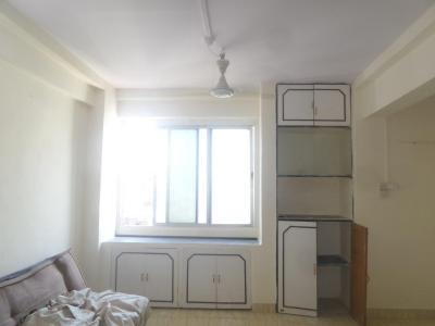Gallery Cover Image of 340 Sq.ft 1 RK Apartment for buy in Kandivali West for 3500000