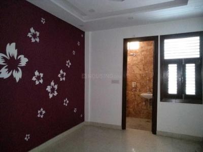 Gallery Cover Image of 500 Sq.ft 1 BHK Independent Floor for buy in Dwarka Mor for 2000000
