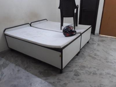 Gallery Cover Image of 300 Sq.ft 1 RK Independent Floor for rent in Sector 37 for 7000