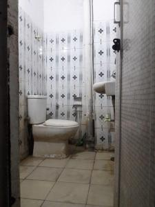 Bathroom Image of Pathak PG in Lado Sarai