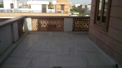 Gallery Cover Image of 1200 Sq.ft 1 BHK Independent Floor for rent in Khema-Ka-Kuwa for 12000