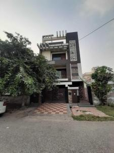 Gallery Cover Image of 3700 Sq.ft 6 BHK Independent House for buy in Sector 100 for 18000000
