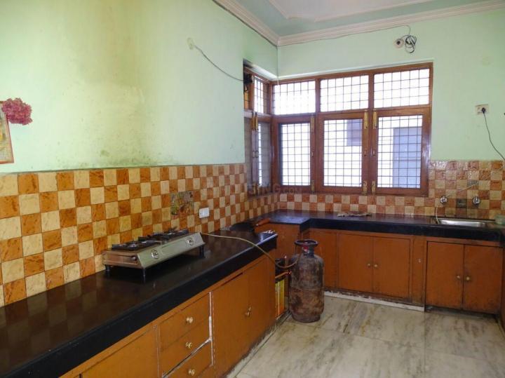 श्री दुर्गा पीजी इन सेक्टर 33 के किचन की तस्वीर